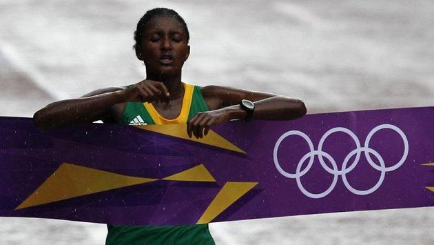 Etiopská vytrvalkyně Tiki Gelanaová vyhrála maratón v olympijském rekordu