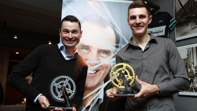 Cenu získali Jaroslav Kulhavý (vpravo), olympijský vítěz v cross country horských kol, a Jiři Ježek, paralympijský vítěz v silniční časovce.