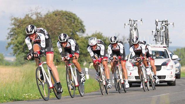 Tým Whirlpool-Author ovládl časovku družstev v úvodní den Czech Cycling Tour.