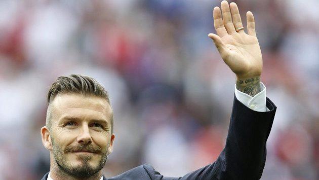 David Beckham dává fotbalové kariéře sbohem...