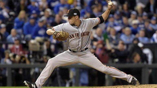 Javier Lopez ze San Francisco Giants ve finále MLB proti Kansas City Royals.