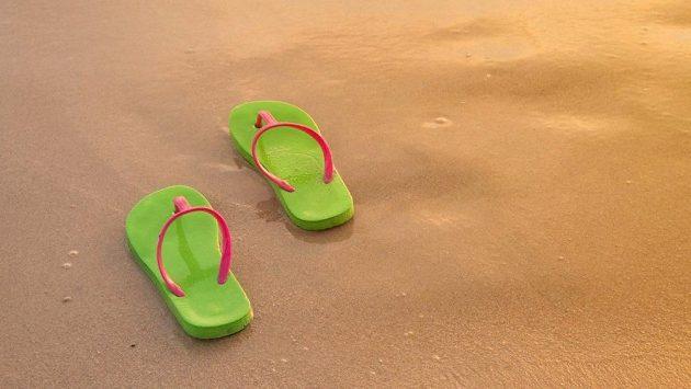 Na pláž jsou žabky ideální, ale na maraton?