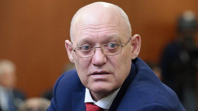 Legendární hokejový útočník sborné Vladimir Petrov zemřel.