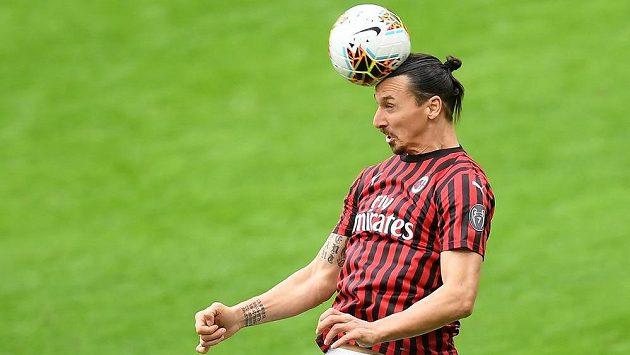 Fotbalový kanonýr Zlatan Ibrahimovic chce v létě opustit AC Milán. Kam povedou jeho další kroky?