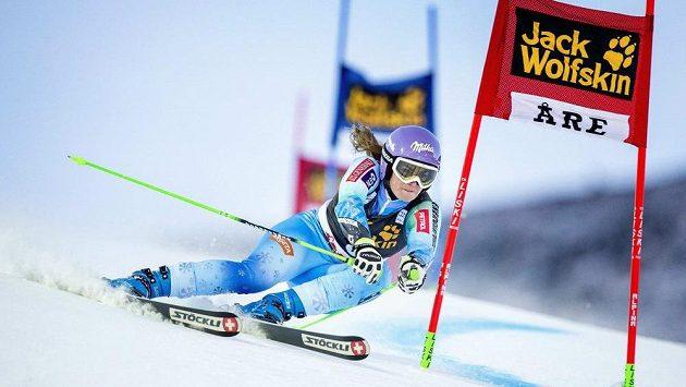 Slovinka Tina Mazeová na trati závodu Světového poháru v Are.