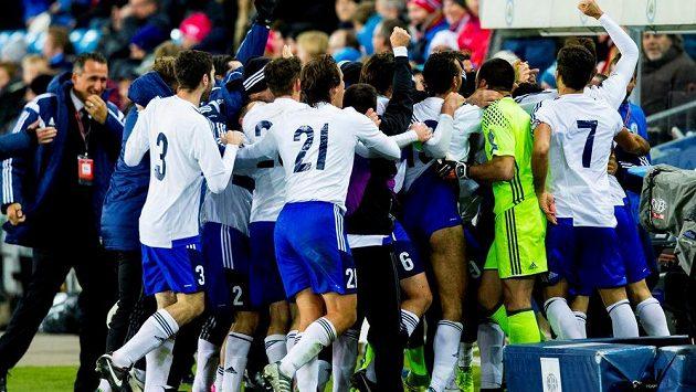 Nory dokonce trápili i fotbalisté San Marina. Takhle se radovali z gólu v Oslu.