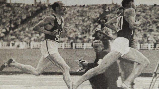 Olympijský hattrick jako on už asi neuděláte, zaběhat si na oblíbených tratích Emila Zátopka ale pořád můžete.