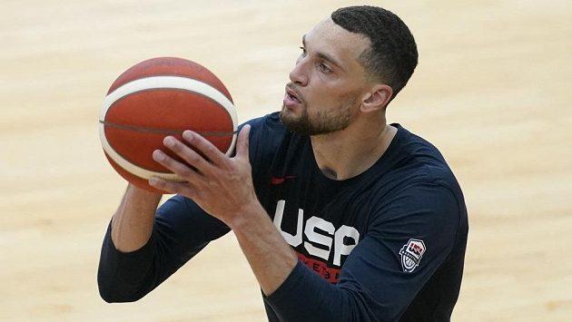 Americký basketbalista Zach LaVine prošel po preventivní karanténě úspěšně všemi zdravotními kontrolami a ve čtvrtek zamíří za první částí olympijského týmu do Tokia.