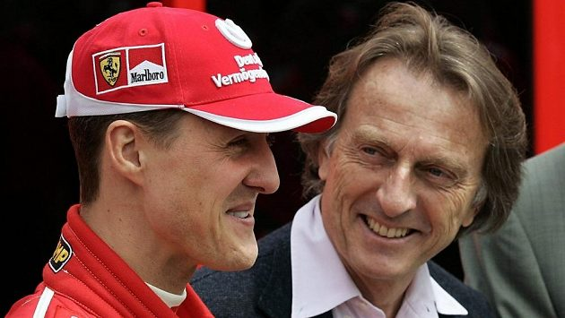 Někdejší prezident Ferrari Luca di Montezemolo (vpravo) a Michael Schumacher na snímku z roku 2005.