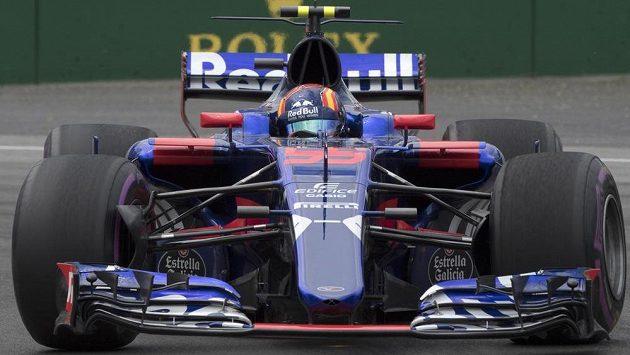 Španělský pilot Carlos Sainz dostal trest tří pozic na startu pro příští Grand Prix formule 1 za zavinění nehody v nedělní Velké ceně Kanady.
