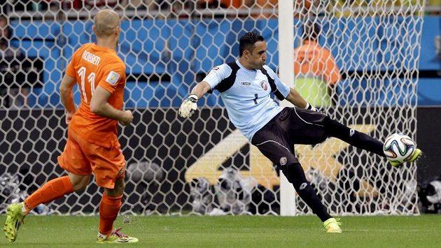 Kostarický brankář Keylor Navas (1) byl na těžkou překážkou pro Nizozemce. I pro Arjena Robbena.