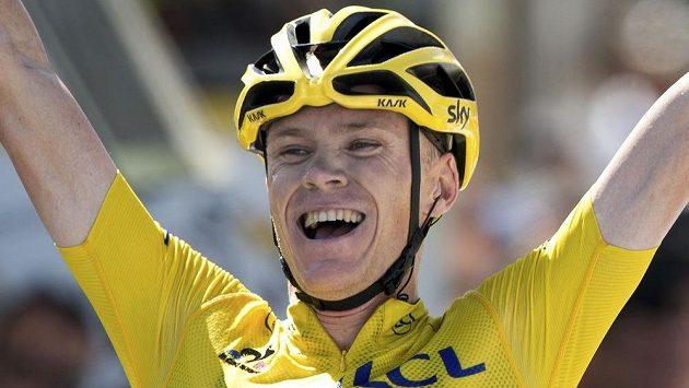 Britský cyklista Christopher Froome slaví vítězství v 10. etapě Tour de France.