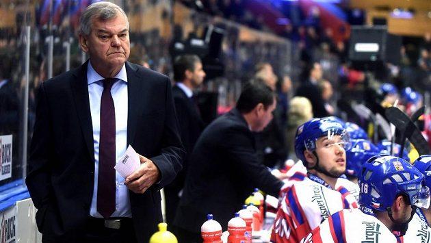 Vladimír Vůjtek při své premiéře na střídačce hokejového národního týmu na turnaji Karjala proti Švédsku.