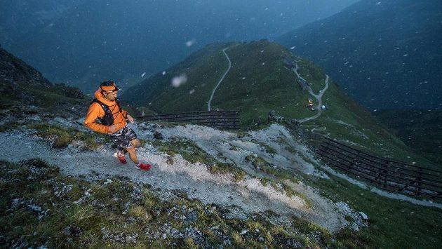 Na horských ultra se vám už nějaké to vybavení může více než hodit.