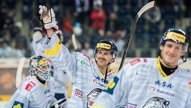 Jiří Hunkes (z Liberce) se raduje ze svého gólu, kterým rozhodl zápas s Karlovými Vary.
