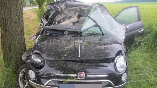 Šumského Fiat 500 byl po tragické nehodě totálně zdemolovaný.