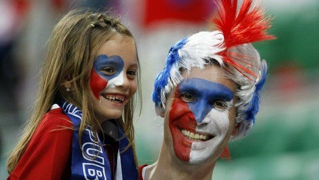 Fanoušci fotbalové reprezentace Česka.