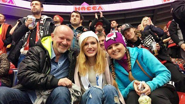 Gabriela Koukalová při nedávném hokejovém zápase Liberec - Hradec Králové.