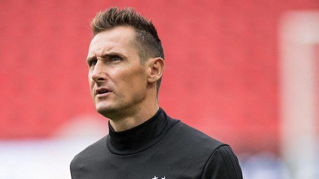 Nejlepší střelec historie mistrovství světa Miroslav Klose bude od příští sezony asistentem trenéra fotbalistů Bayernu Mnichov Hansiho Flicka.