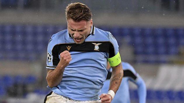 Hráč Lazia Ciro Immobile po trefě proti Bruggám v Lize mistrů.