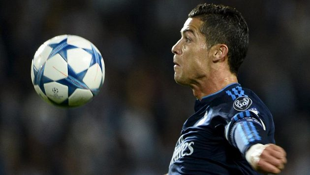Cristiano Ronaldo v utkání Ligy mistrů proti Malmö.