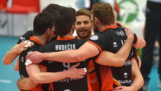 Hráči Karlovarska vstoupili vítězně do semifinálové série play off extraligy volejbalistů.