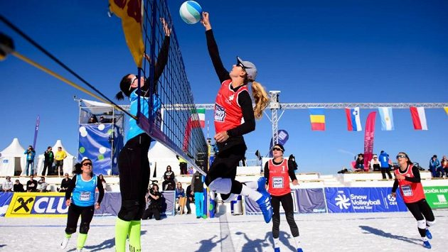 České snow-volejbalistky si zahrály na sněhu v Argentině. Obsadily páté místo.