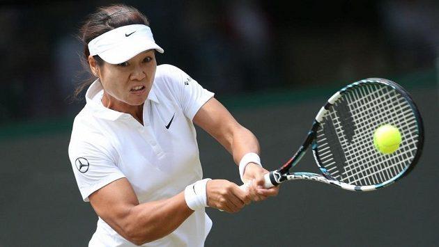 Li Na na letošním Wimbledonu v utkání proti Barboře Záhlavové-Strýcové.