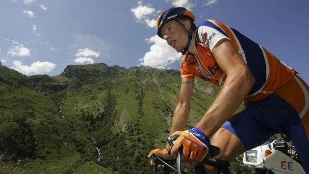 Michael Rasmussen na snímku z Tour de France v roce 2004, kdy ještě mohl závodit.