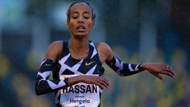 Nizozemská běžkyně Sifan Hassanová vytvořila v Hengelu evropský rekord na 10 000 metrů.