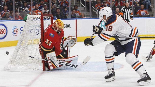 David Rittich v brance Calgary při svém jediném startu v NHL.