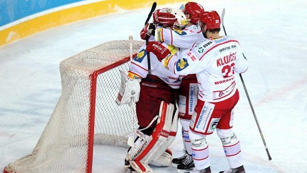 Radost hokejistů Třince - ilustrační foto.