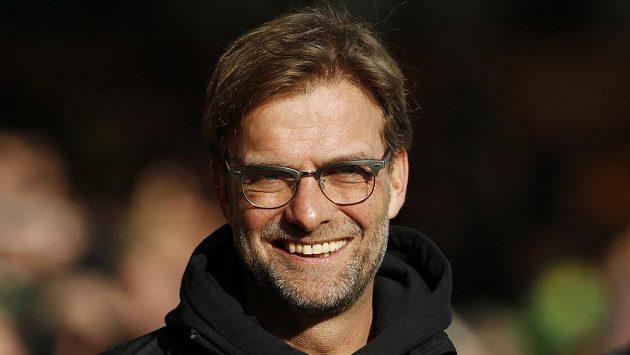 Trenér Liverpoolu Jürgen Klopp může vyhlížet Joëla Matipa ze Schalke.