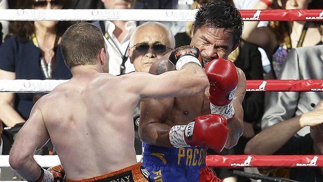 Hvězdný Filipínec Manny Pacquiao překvapivě prohrál v Brisbane boxerský duel s Australanem Jeffem Hornem a přišel o titul WBO ve welterové váze.