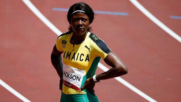 Jamajská sprinterka Shericka Jacksonová vlastní hloupostí přišla o postup.
