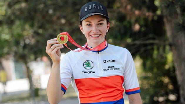 Tereza Neumanová je mistryní republiky v silniční cyklistice.