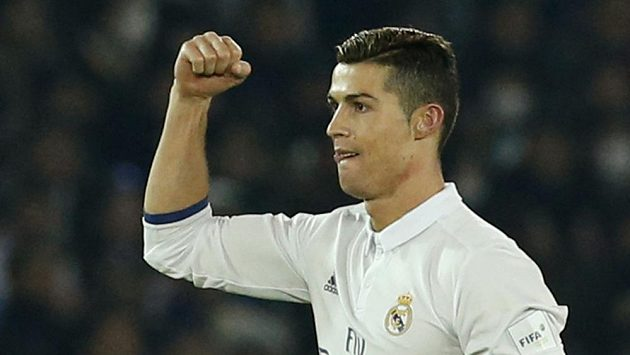 Cristiano Ronaldo dál zůstává hráčem Realu Madrid.