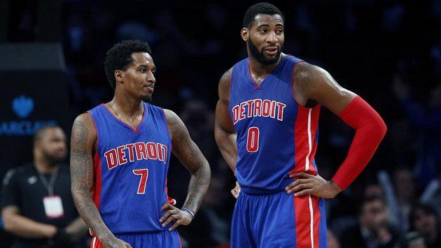 Basketbalisté Detroitu Brandon Jennings (vlevo) a Andre Drummond se stali hlavními hvězdami zápasu v Clevelandu.