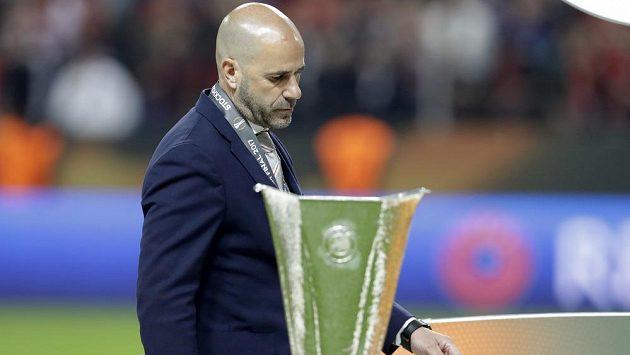 Trenér Peter Bosz s Ajaxem titul v Evropské lize nezískal, přesto míří do Dortmundu.
