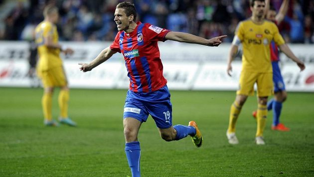 Plzeňský záložník Jan Kovařík se raduje z gólu proti Jihlavě.