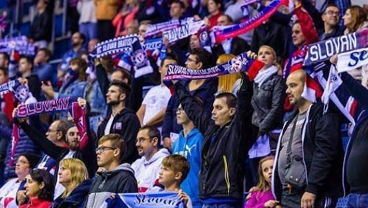 Fanoušci hokejistů Slovanu Bratislava.