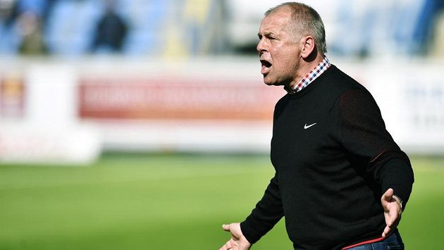 Trenér Jablonce Petr Rada.