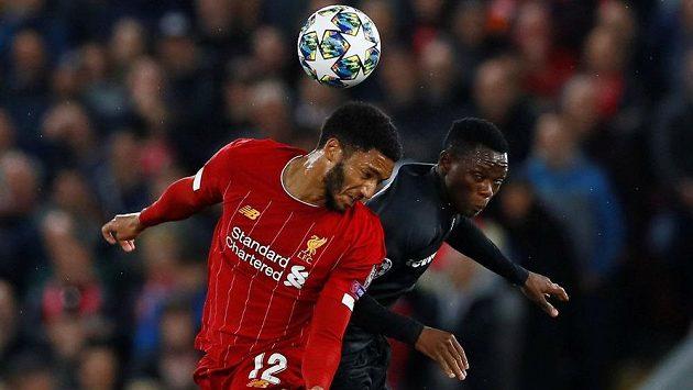 Fotbalisté Liverpoolu nastříleli během první půle utkání Ligy mistrů se Salcburkem soupeři tři góly. Nakonec se třásli o výhru.