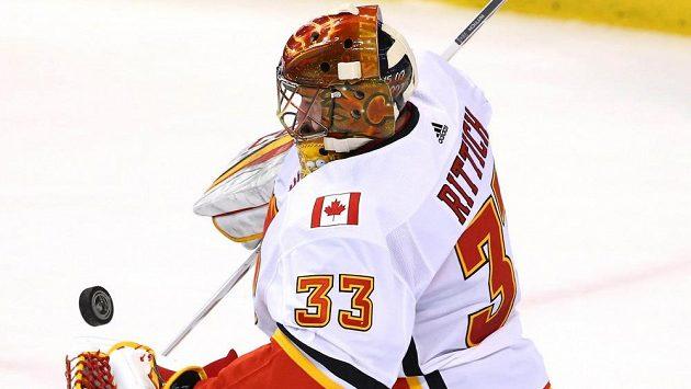 Český brankář Calgary David Rittich předvedl v utkání na ledě Floridy 41 úspěšných zákroků.