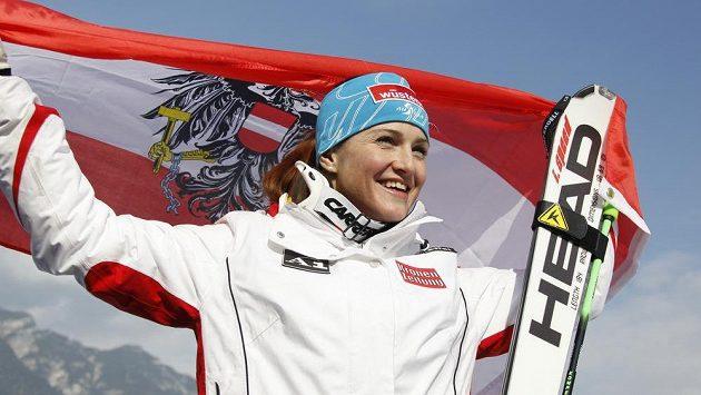 V šestatřiceti letech ukončila Elisabeth Görglová kariéru.