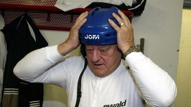 Bývalý československý hokejista Jozef Golonka