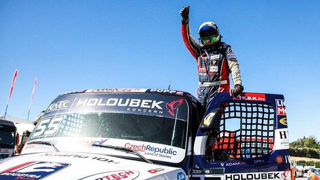 Jezdec Buggyry Adam Lacko, který si druhým místem v prvním závodu posledního dílu šampionátu zajistil titul mistra Evropy.