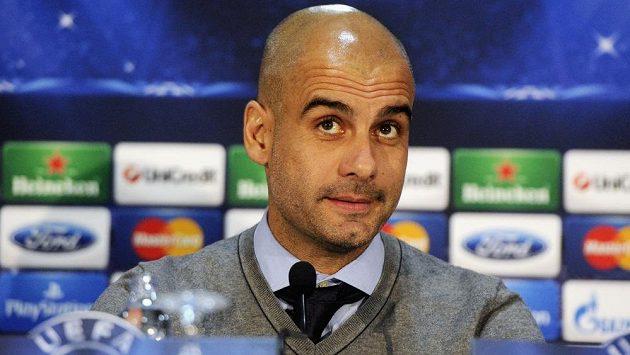 Trenér Bayernu Mnichov Josep Guardiola na tiskové konferenci v Plzni před utkáním Ligy mistrů.