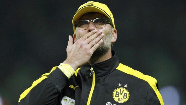 Trenér Jürgen Klopp se loučí s fanoušky Borussie Dortmund po finále Německého poháru proti Wolfsburgu.