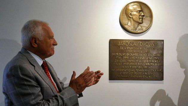 Pamětní desku věnovanou Jaroslavu Drobnému odhalil prezident Václav Klaus